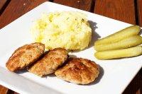 Karbanátky z mletého vepřového masa a rajčat