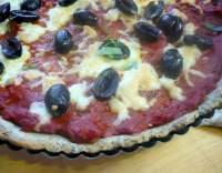 Rajčatový koláč s olivami