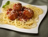 Kuličky z hovězího masa v rajské omáčce se špagetami