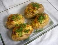 Brambory se sýrovo-slaninovou náplní