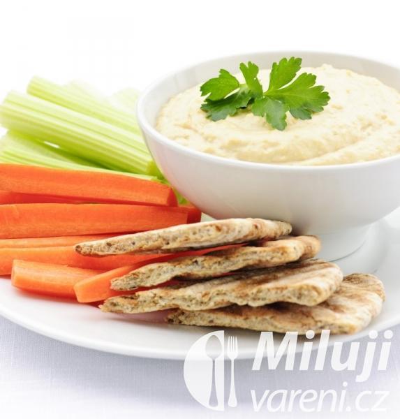 Hummus se zeleninou