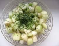 Ruský okurkový salát