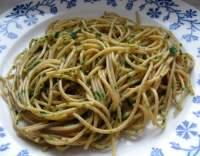 Špagety na olivovém oleji s česnekem