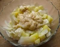 Vařený zelný salát s bramborami
