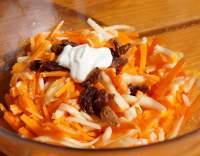 Mrkvový salát s medem
