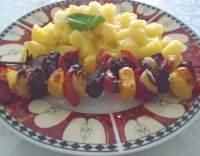 Hovězí na špejli se zeleninou a bramborami