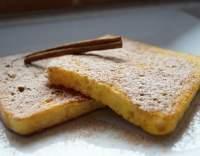 Smažený toustový chléb se skořicí