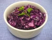 Salát z červeného zelí s olejovou zálivkou