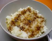 Rýžová kaše s máslem a skořicí