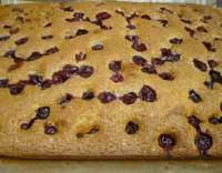 Rychlý hrnkový koláč s višněmi
