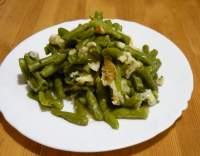 Fazolové lusky s česnekem (nebo s cibulí)
