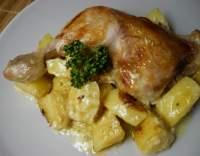 Kuřecí stehna s bramborami na hořčici a tymiánu