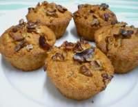 Muffiny s jablky sypané skořicí