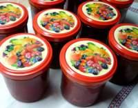 Marmeláda s jahodami a mandlemi