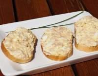 Chlebíčky se sýrovou pomazánkou