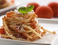 Bleskové špagety s rajčaty, oreganem a bazalkou