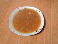 Polévka z cizrny a rajčat