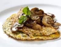 Omeleta s houbami a fenyklem
