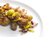 Zapečené brambory se slaninou a pórkem